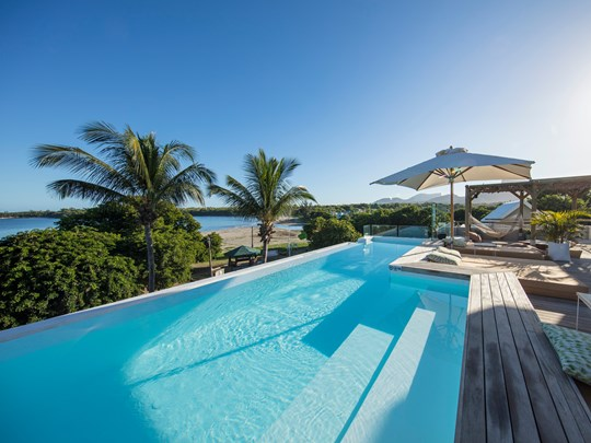 La superbe piscine rooftop