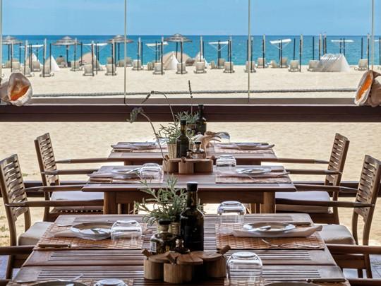 Restaurant Arte Nautica sur la plage de Pêra