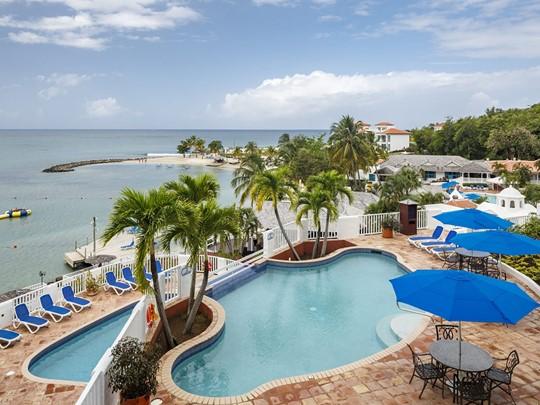 La superbe piscine du Windjammer Landing à Sainte-Lucie