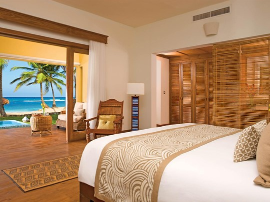 Junior Suite Oceanfront Deluxe