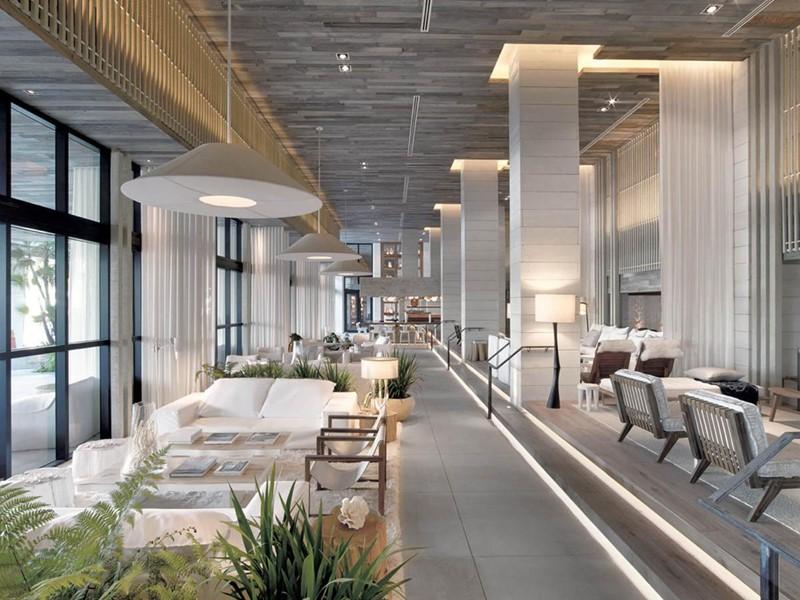 Le lobby de l'hôtel 5 étoiles 1 South Beach, aux Etats-Unis