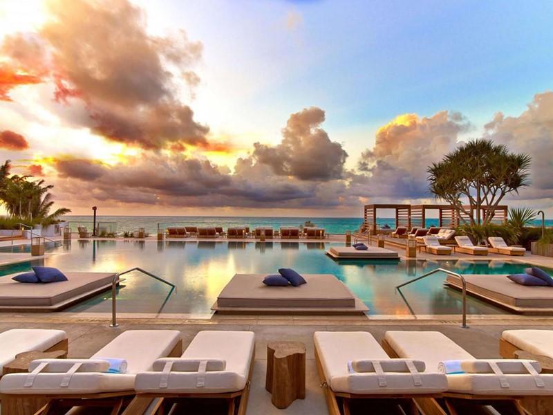 Contemplez un magnifique lever de soleil au 1 South Beach.