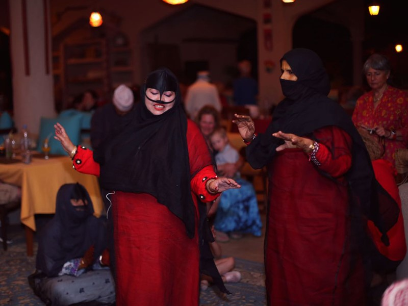 Immersion totale dans la culture locale au 1000 Nights Camp