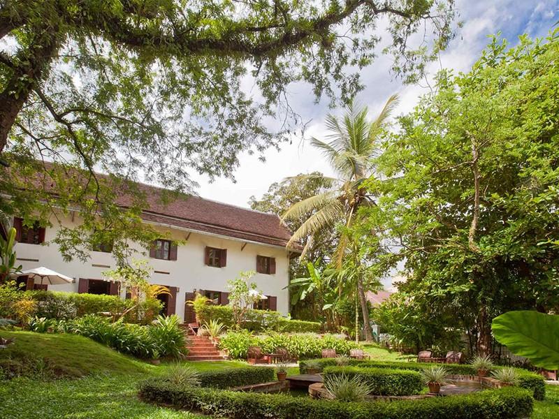 Jardin de l'hôtel 3 Nagas situé au Laos