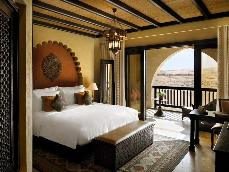 Les chambres du Qasr Al Sarab Desert Resort by Anantara