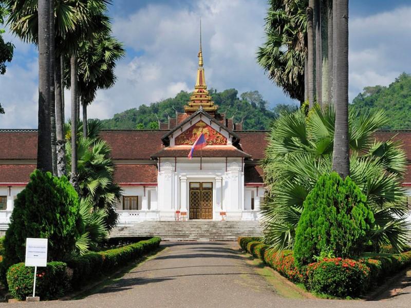 Visitez l'ancien Palais Royal de Luang Prabang, désormais musée national
