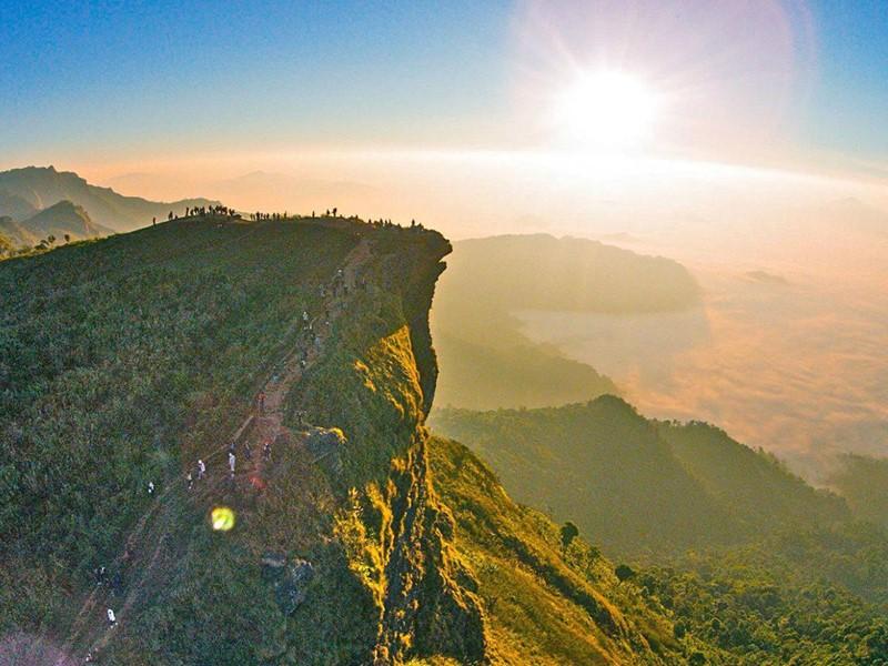 Direction Phu Fa, avec son beau panorama sur les montagnes