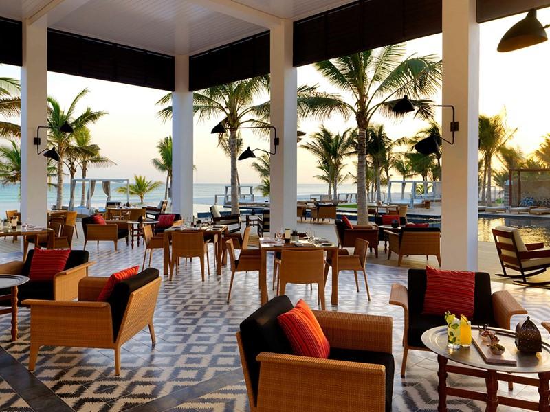 Saveurs méditerranéennes au restaurant Al Mina de l'Al Baleed
