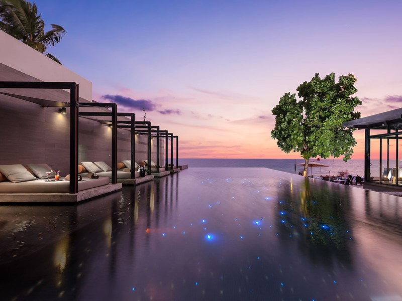 La piscine de l'hôtel Aleenta Phuket Resort & Spa en Thaïlande