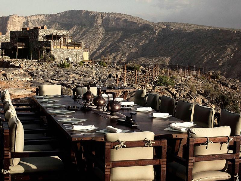 Repas face à la montagne au Juniper Restaurant