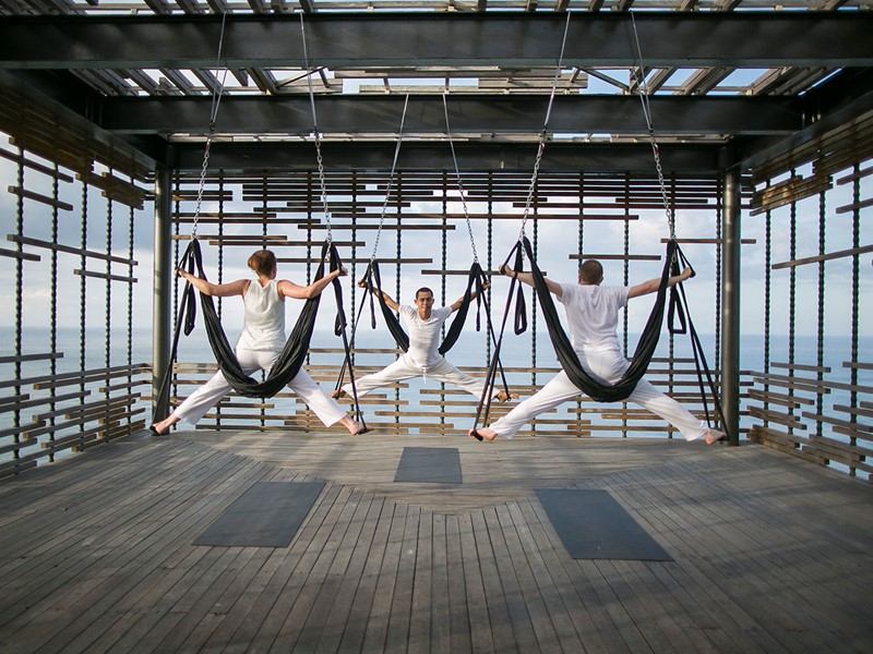 Profitez d'une séance de yoga aérien