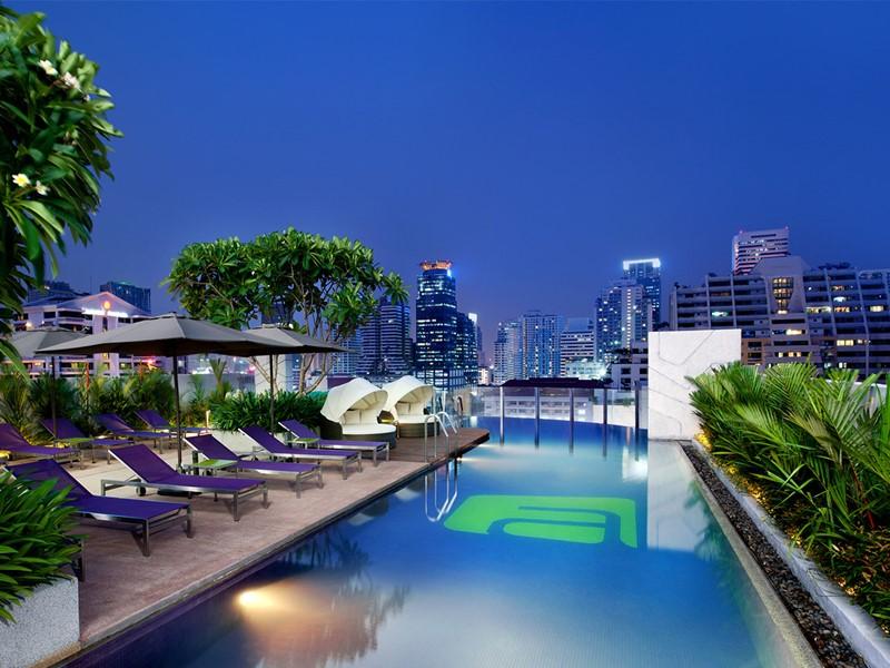La piscine de l'hôtel Aloft à Bangkok