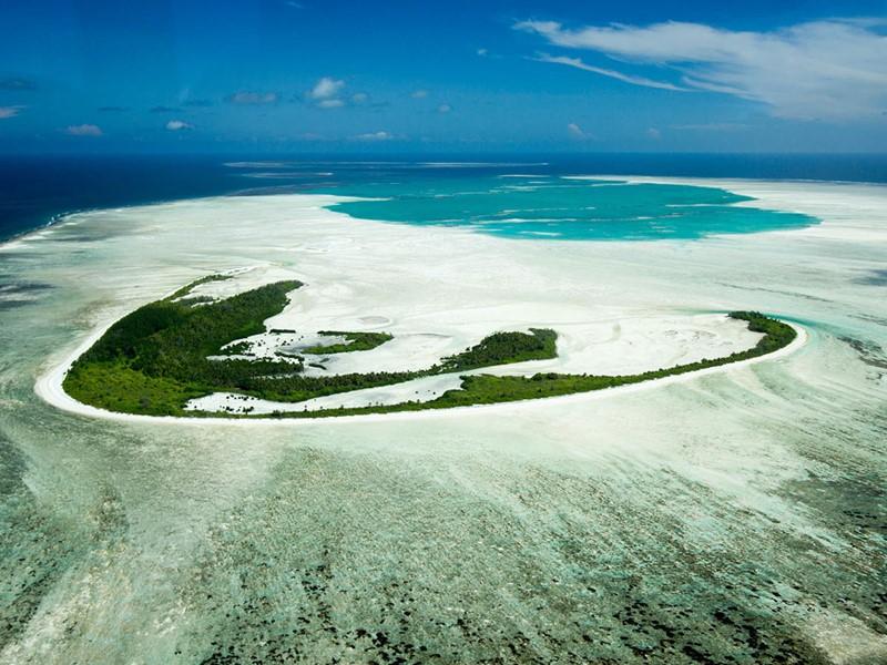 Vue aérienne de l'île corallienne Alphonse Island