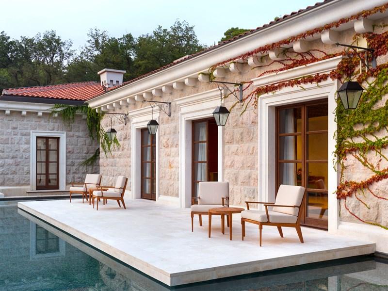 Profitez du spa et de sa terrasse reposante