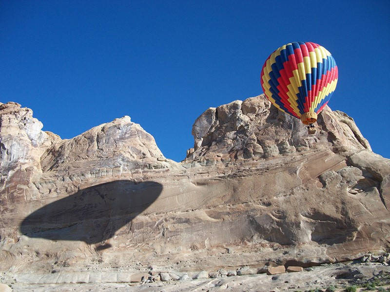 Survolez la région en montgolfière