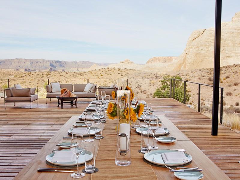 Dégustez un somptueux repas face au désert