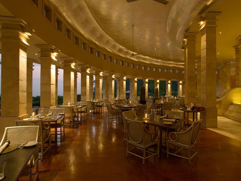 Le restaurant de l'hôtel Amanjiwo, à Java