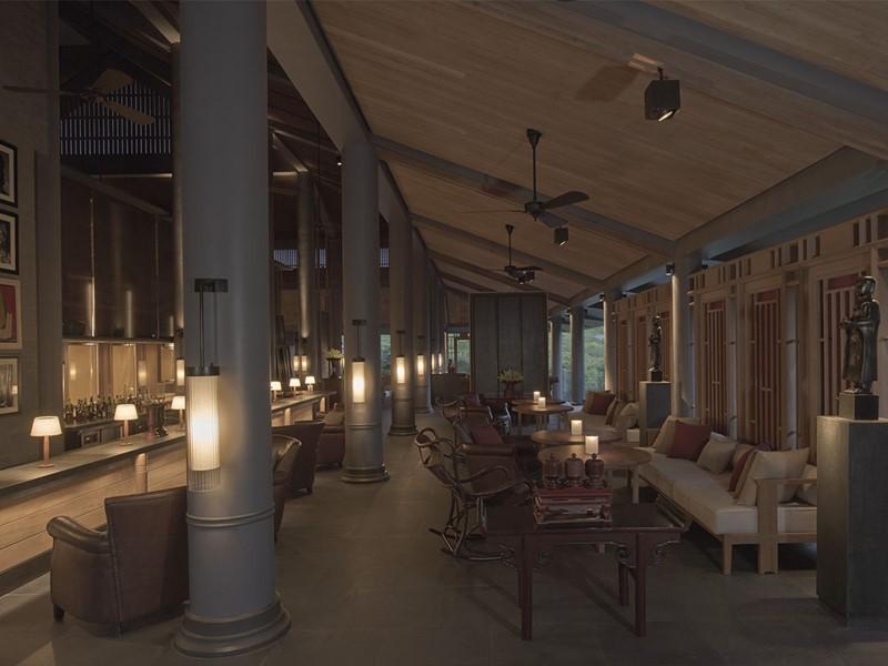 Le bar de l'hôtel Amanoi situé au coeur du parc national de Nui Chua