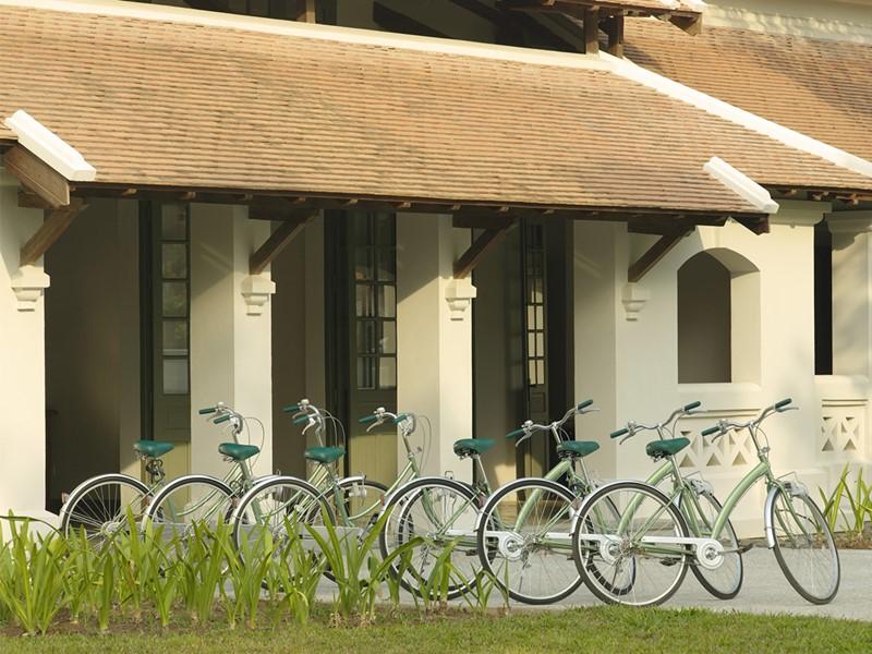 Balade à vélo à l'hôtel Amantaka situé à Luang Prabang