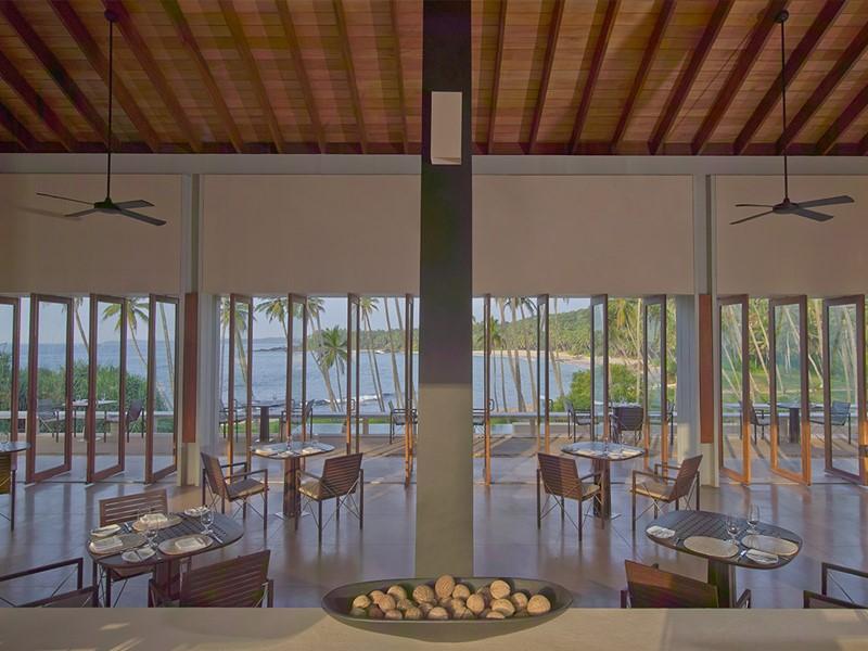 Restaurant de l'Amanwella au Sri Lanka avec vue sur l?océan