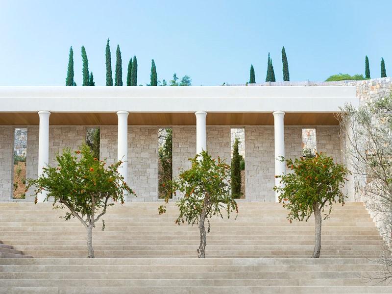 L'architecture grecque de l'hôtel Amanzoé en Grèce