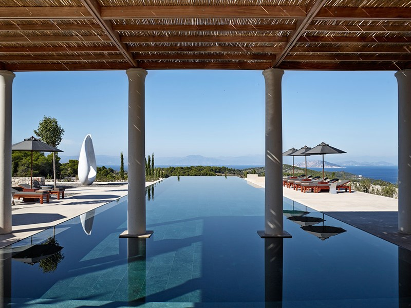 La piscine de la 9 Bedroom Villa de l'Amanzoé en Grèce