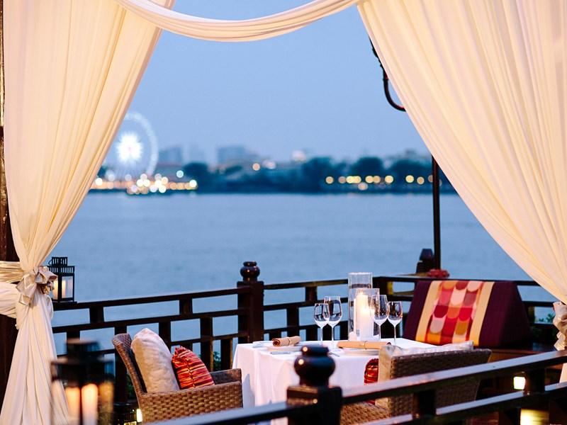 Un dîner face à un paysage de rêve au Dinning by Design Pier