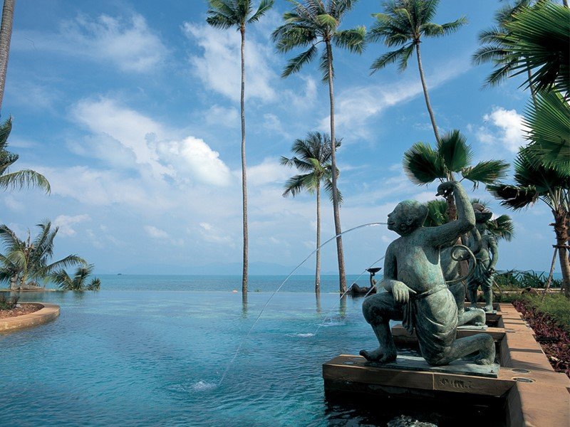 Autre vue de la piscine de l'Anantara Bophut Koh Samui Resort en Thailande