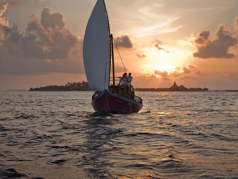 Balade en mer au coucher de soleil