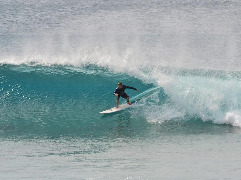 Surf à l'Anantara Dhigu