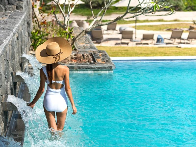 Profitez de la belle piscine
