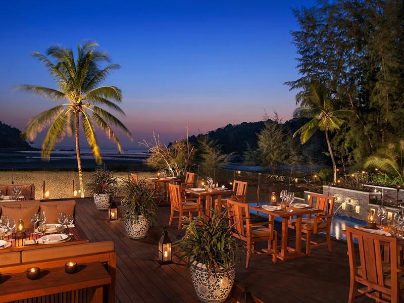 Autre vue du restaurant Sala Layan de l'Anantara situé sur la plage de Layan