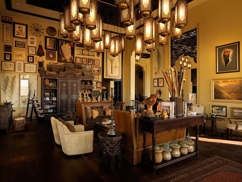 La bibliotheque de l'hôtel Anantara Qasr Al Sarab