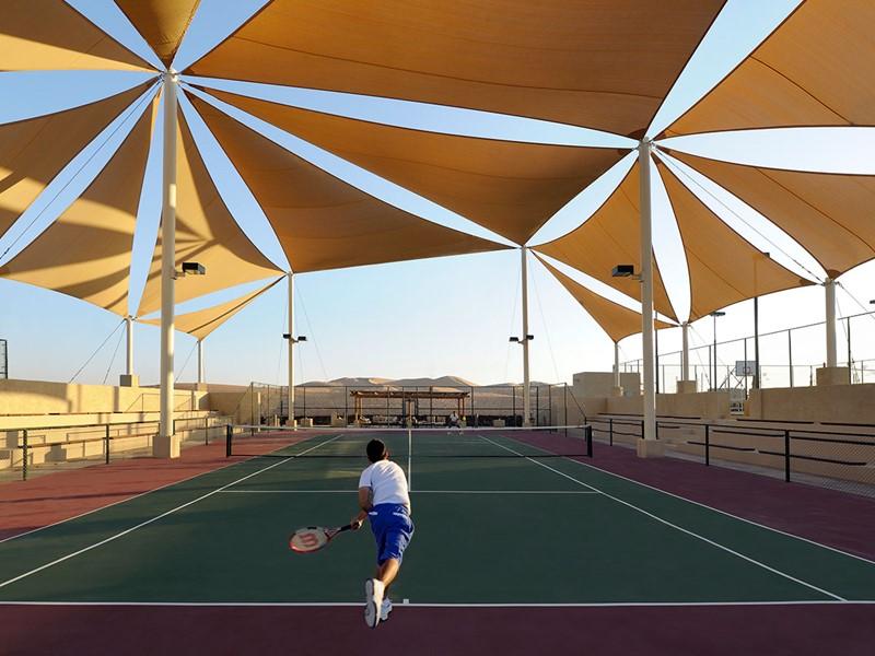 Court de tennis de l'hôtel Anantara Qasr Al Sarab