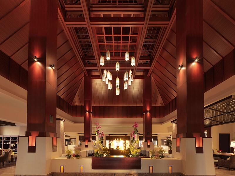 Le lobby de l'hôtel Anantara Dubai The Palm