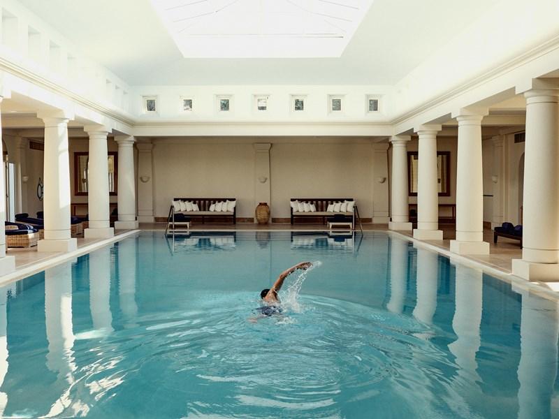 La superbe piscine du spa
