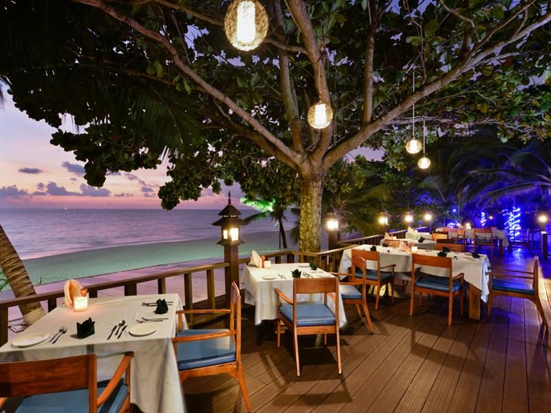 Le Coconut Bar de l'Andaman White Beach Resort Phuket