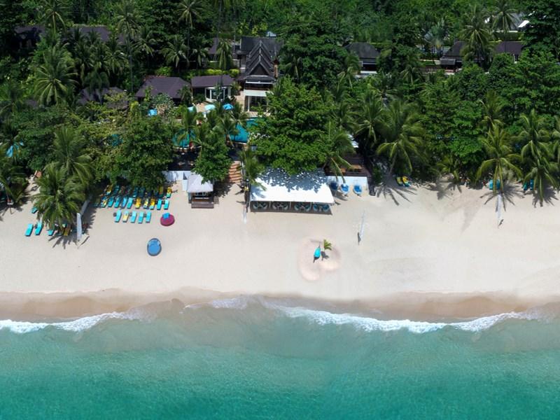 Vue aérienne de l'Andaman White Beach Resort Phuket