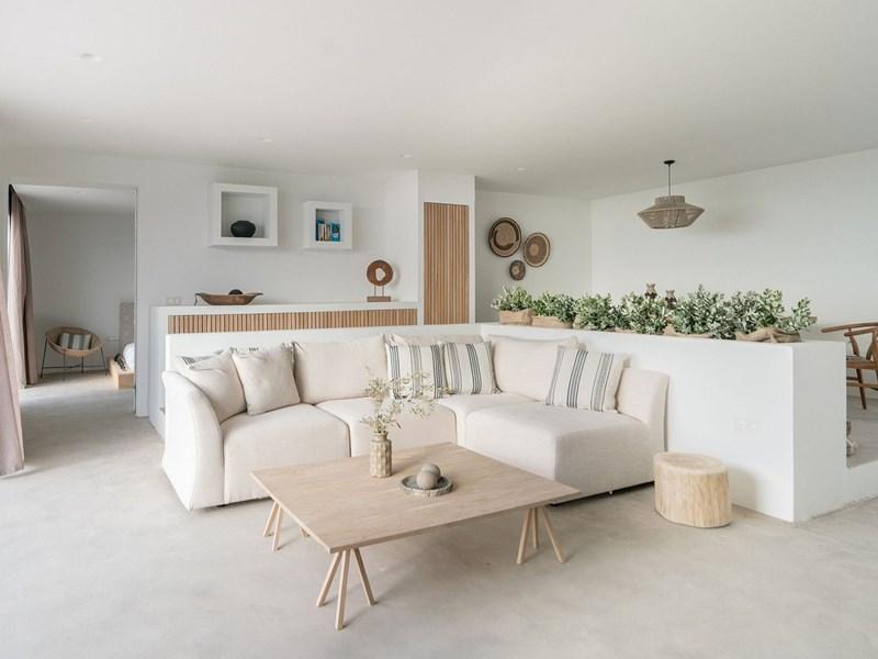 La Three Bedroom Villa