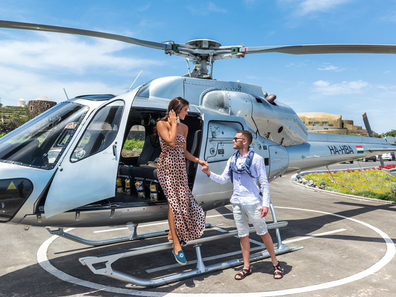 Balade en hélicoptère pour survoler la région