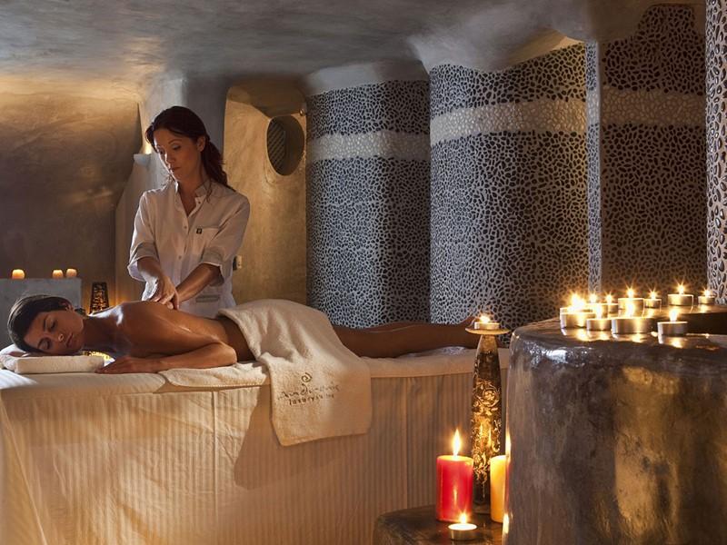 Le spa de l'hôtel 5 étoiles Andronis Luxury Suites à Oia