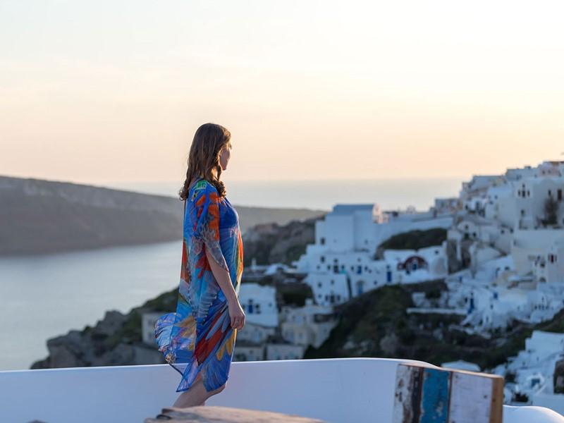 Contemplez un magnifique coucher de soleil depuis l'Andronis Luxury Suites