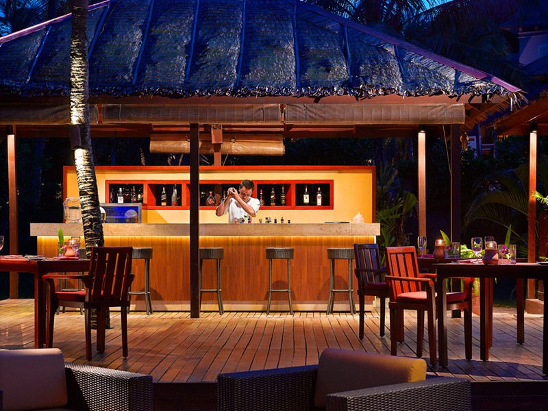 Le bar Pantai Grill de l'Angsana Resort & Spa