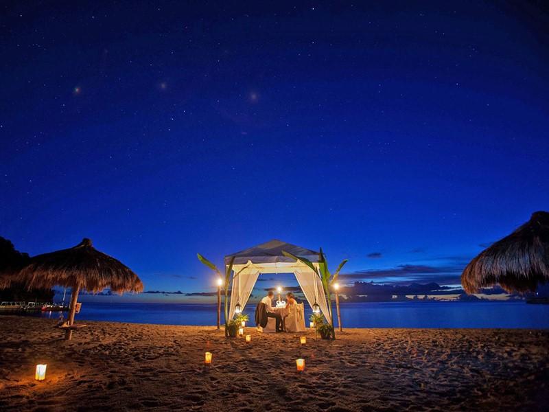 Dîner romantique sur la plage de l'Anse Chastanet