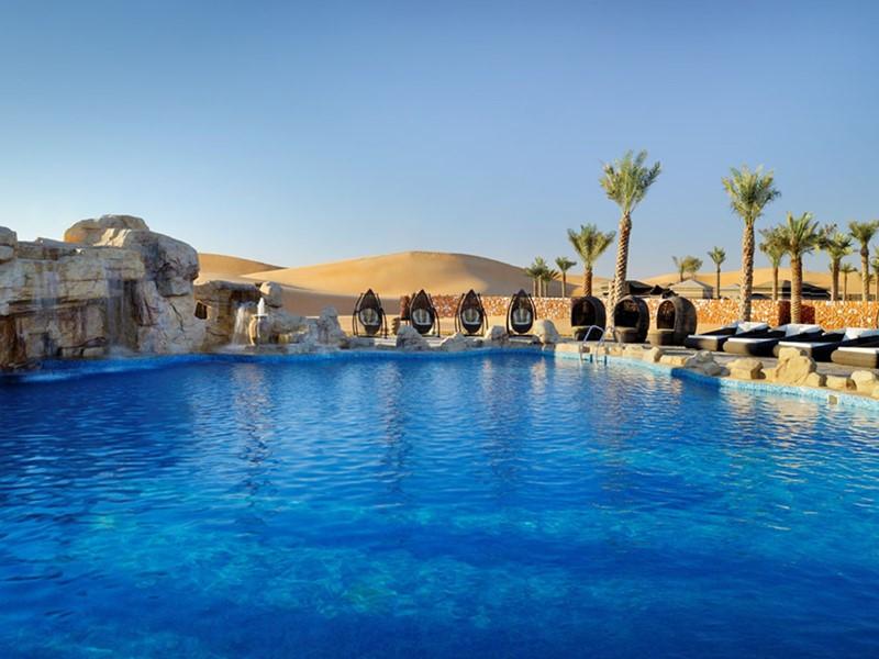 Autre vue de la piscine du Arabian Nights Village à Abu Dhabi