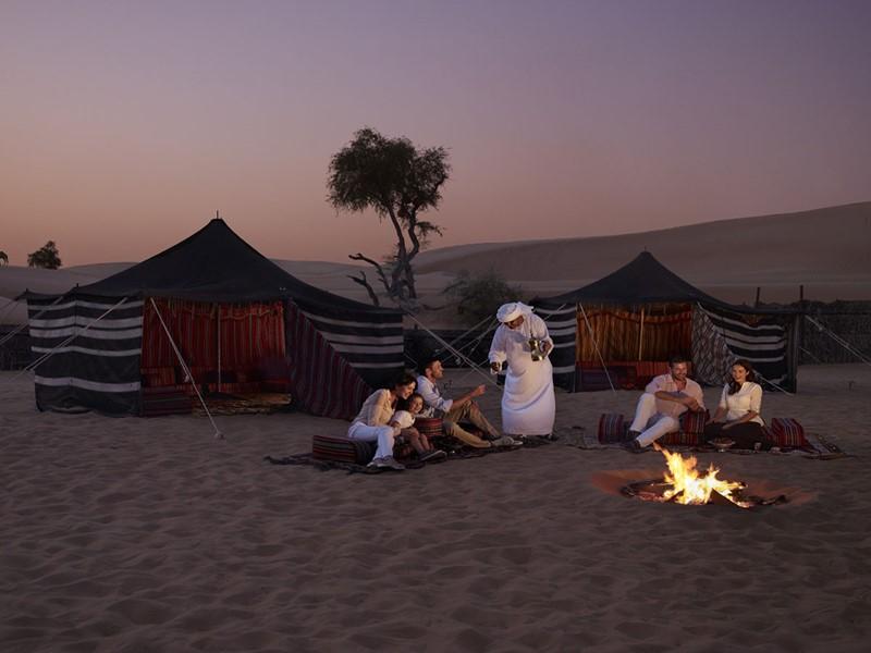 Vue des tentes de L'Arabian Nights Village situé sur les terres d'Al Khatem, à Abu Dhabi