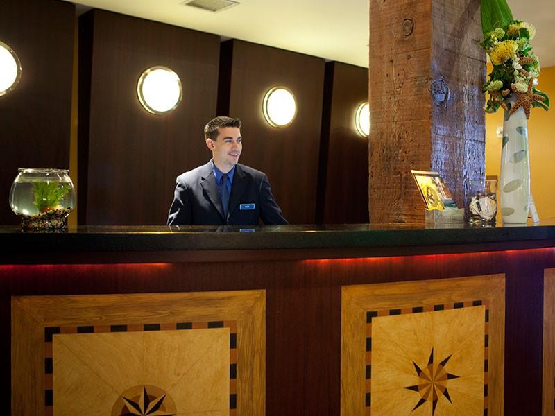 La réception de l'hôtel Argonaut situé aux Etats Unis