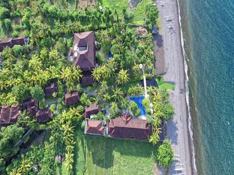 Vue aérienne de l'hôtel Arya à Amed Bali