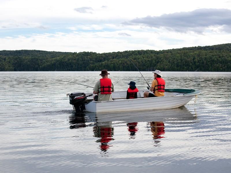 Séance de pêche à l'Auberge du Lac-à-l'Eau-Claire