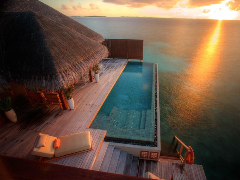 Piscine de la villa Royal Ocean Suite